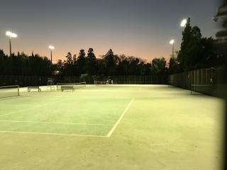 テニスコート照明点灯状況